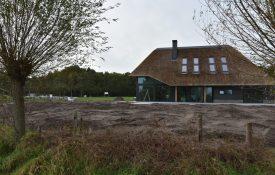Thumbnail voor Tweede bouwkavel te Huijbergen overgedragen.